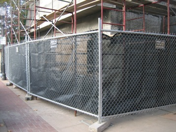 Fencing with privacy screen